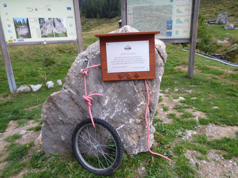 Erinnerung an den 96. Giro d´Italia, am 5. Mai 2013 gastierte der Giro mit einer Bergwertung am Lanzenpass