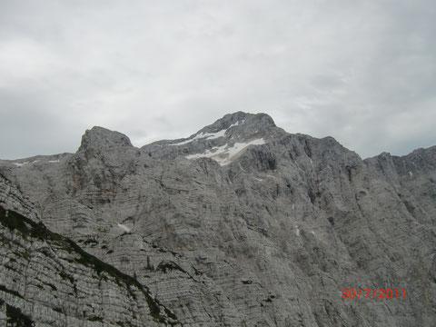 Die gewaltige Triglav-Nordwand - mit 1500m Höhe eine der höchsten Alpenwände überhaupt
