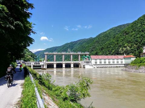 Das älteste Kraftwerk an der Drau - das HE (Hidroelektrarna) Fala (Kraftwerk Faal) ist seit 1918 in Betrieb