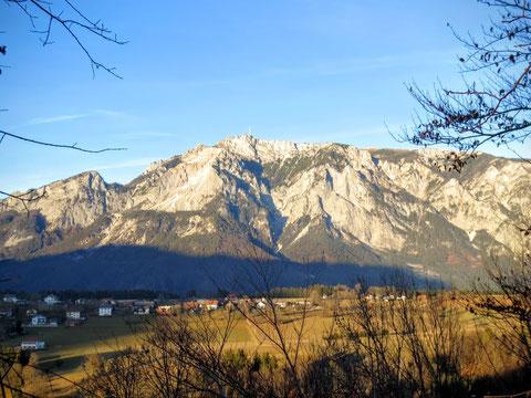Wunderbarer Ausblick von der Ruine Straßfried über das Gailtal zum Dobratsch