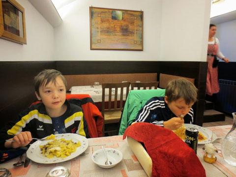 Mittagessen in Malborgeth mit historischem Ambiente in der Trattoria da Giusi