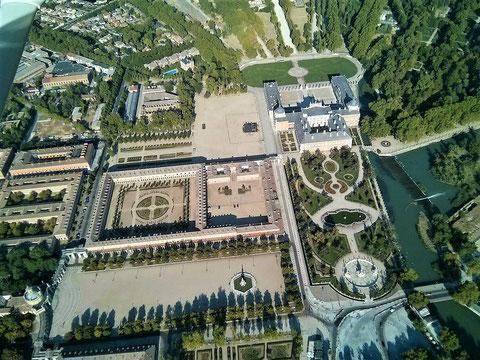 """Palacio Real de Aranjuez - """"Königlicher Palast von Aranjuez"""" - hier verliert sich die Spur vom """"Jüngling vom Magdalensberg""""  (Bild wikipedia.org)"""