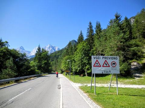 Kurz nach Kranjska Gora beginnt der Spaß - 11 km und ca. 740 Hm liegen vor uns