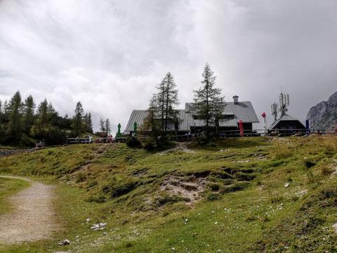 Poštarski dom na Vršiču, Julische Alpen, Berghütte
