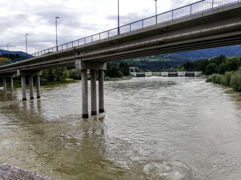 Zusammenfluss von Mieß und Drau in Dravograd