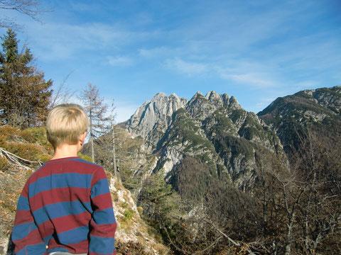 Blick zum Raibler Fünfspitz 1.909m