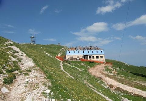 Dobratsch, Villacher Alpe, altes Gipfelhaus, Wanderwege
