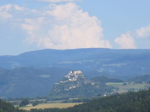 Blick auf Kärntens bekannteste Burg,  Burg Hochosterwitz