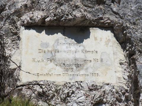 """Gedenkstein im Bartolograben an die in den """"Franzosenkriegen""""  stattfindenden Kämpfe 1813"""