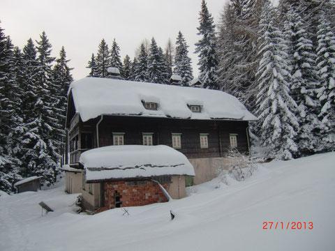 80 Jahre später...Die dem Verfall preisgegebene Ottohütte im Winter 2012/13
