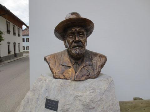 Büste von Julius Kugy in seinem Feriendomizil in Wolfsbach, Valbruna