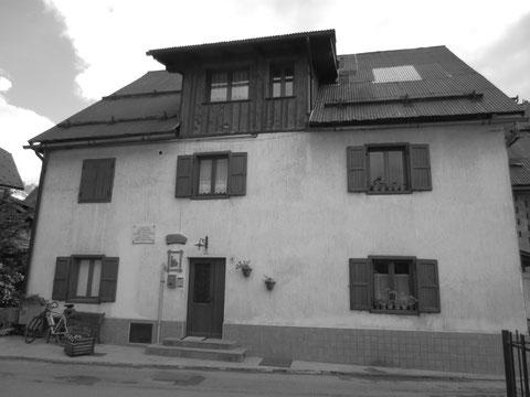 Das Haus in dem einst Julius Kugys legendärer Bergführer Anton Oitzinger wohnte