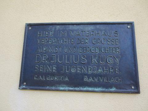 Erinnerungstafel am Vaterhaus Julius Kugys in Lind bei Arnoldstein in Kärnten