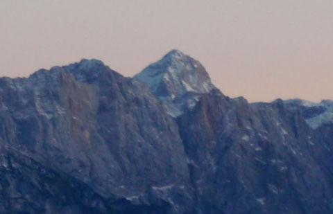 Der höchste Berg Sloweniens, der Triglav 2.864m vom Dobratsch aus gesehen