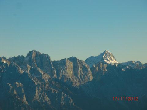 Im Hintergrund der höchste Berg Sloweniens, der Triglav 2.864m