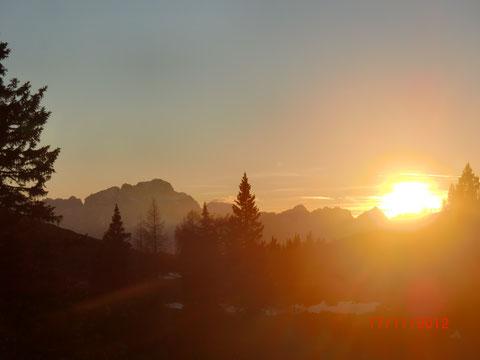 Sonnenuntergang über den westlichen Julischen Alpen