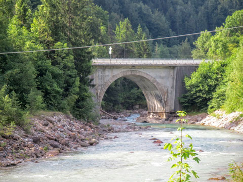 Brücke über die Schlitza in Untertarvis