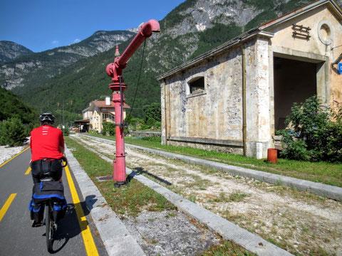 Der vorbildlich restaurierte historische Bahnhof von Chiusaforte