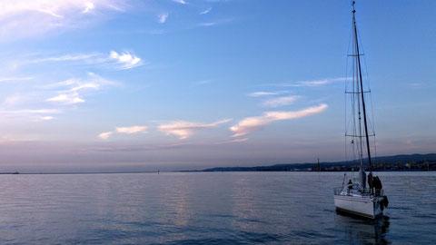 Spätherbstliche Abendstimmung im Hafen von Muggia