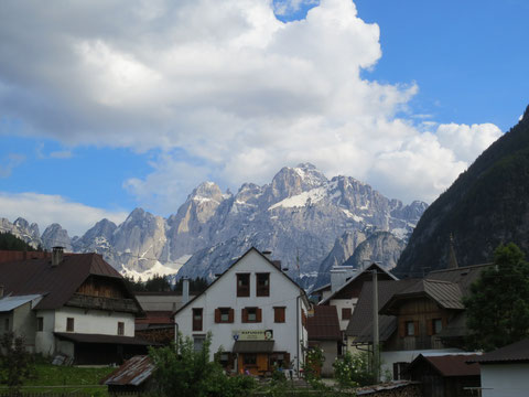 Wolfsbach (Valbruna) mit der Wischbergruppe im Hintergrund