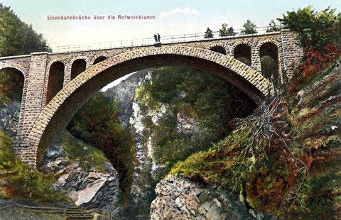 Alte Ansichtskarte der historischen Eisenbahnbrücke der Wocheinerbahn über die Rotweinklamm