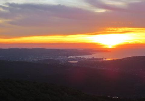 36. Etappe des Alpe-Adria-Trails - 26.10.2017 - Sonnenuntergang über dem Golf von Triest