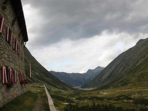 Blick von der Osnabrücker Hütte Richtung Kölbrein-Stausee