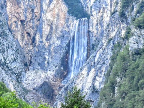 Der große Boka-Wasserfall