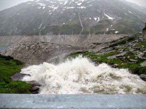 Der Wasserfall von Kleinelendtal präsentiert sich mit voller Kraft