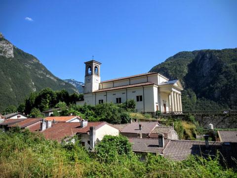 Die für Chiusaforte charakteristische Kirche Sankt Bartholomäus