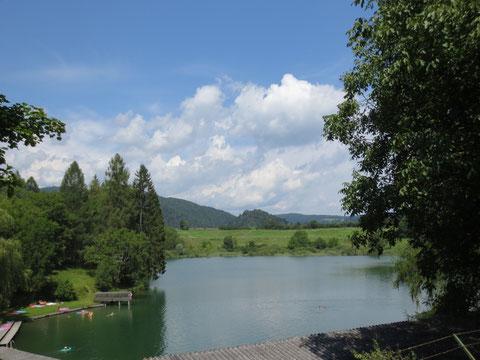 Der Kraigersee, ein kleiner Badesee in den Wimitzer Bergen