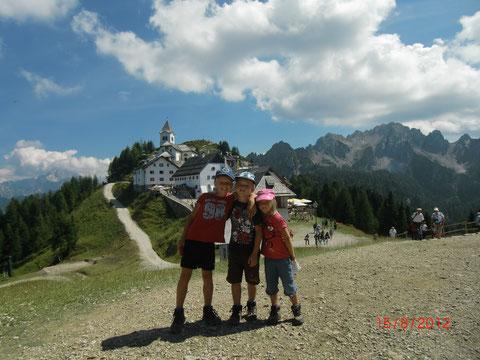 3 Pilger am Luschariberg im Jahre 2012