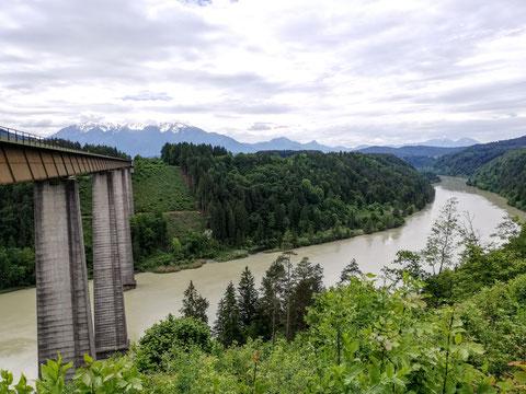 Die 96 Meter hohe und 429 Meter lange Jauntalbrücke