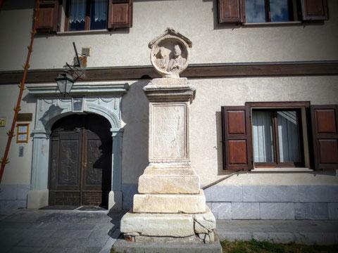 Römischer Grabstein in Saifnitz (Camporosso)