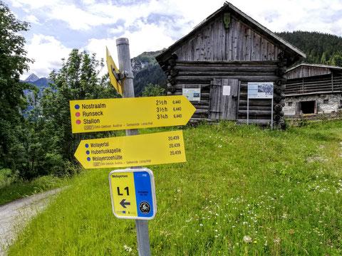 Bergbauernhof, Lesachtal, Wegweiser