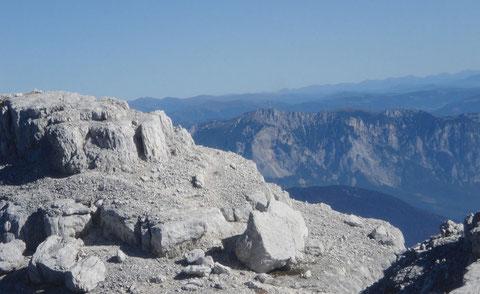 Am Wischberggipfel 2.666m - Blick Richtung Norden zum Dobratsch 2.167m