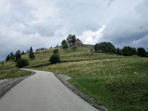 Die letzten Meter hinauf zum Gipfel des Magdalensberges