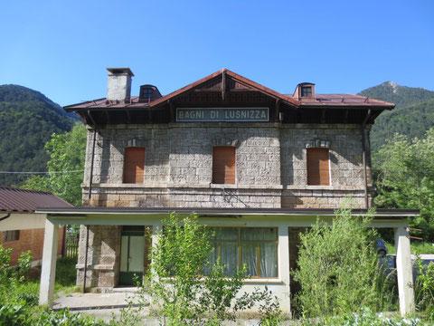Der ehemalige Bahnhof von Bad Lussnitz (Bagni di Lusnizza)