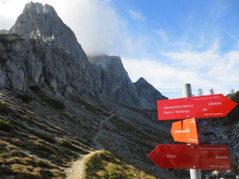 Der Zustieg zum beliebten, vielbegangenen Mojstrovka-Klettersteig