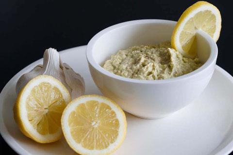 Guacamole mit Naturjoghurt | low carb, clean & schnell zubereitet