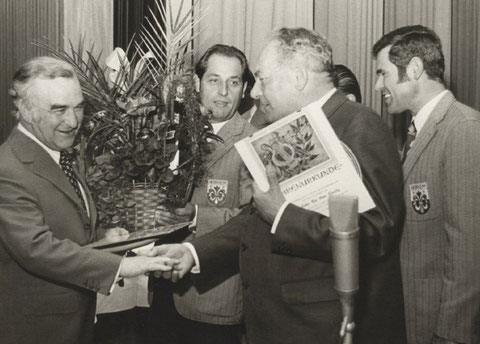 Pfarrer Becker wird zum Ehrenpräses und Pfarrer Geraldy zum Ehrenmitglied ernannt (1974)