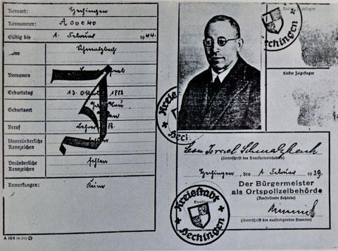 Kennkarte von Leon Schmalzbach, 1939, Stadtarchiv Hechingen, Foto: www.keidel-hechingen.de, aus: Otto Werner: Leon Schmalzbach (1882-1942). Lehrer und Rabbinatsverweser in Hechingen, in: ZHG 103/1980
