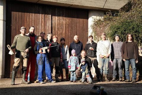 Mitarbeiter der Biostation und Mitglieder des Bonner Arbeitskreises für Fledermausschutz nach erfolgreicher Arbeit