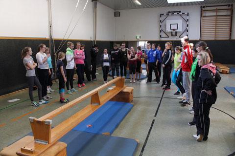 """Unser Trainerteam bildet sich fort: Bei einem Lerhgang zum Thema """"Koordination"""" haben sie an einer kreisweiten Schulung des DOSB teilngenommen. Bild: Braun"""