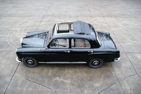 """Mercedes 180 """"Ponton"""" 1957"""