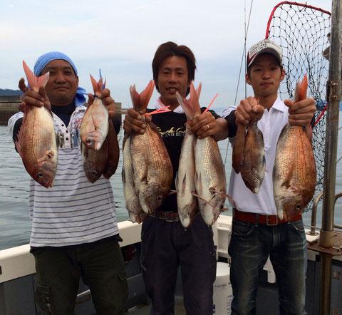M・Y様 5Fishお見事でした!(持ちきれなくて4Fish)(≧◇≦) N様初タイラバ3Fishお見事でした! 皆さん(オートリリースも結構ありましたが)(≧◇≦) 最後まで巻き*2お疲れ様でした。