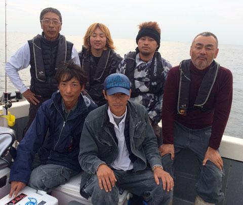 岡山で土木関係の仕事を営んでいる㈱カズケン御一行様!(社長はご都合で不在です。)カズケン釣り大会!を開催して頂きました。