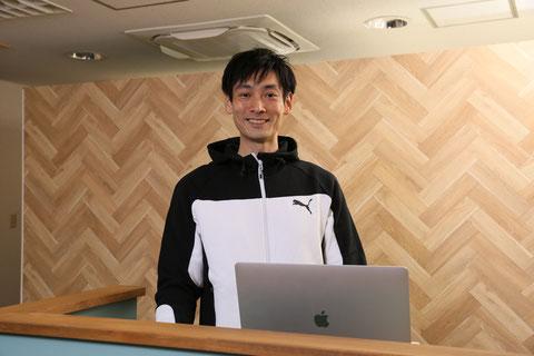 スモールジムSweet Fitness 代表トレーナーの佐藤真弘