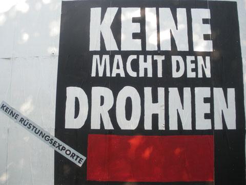 """Nach einer Idee der """"Heute Show"""": Friedenspolitische Wandmalerei in Hannover. Foto: Stefan Korinth"""