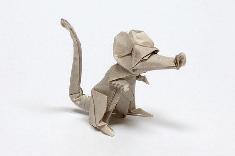 Origamimodell von Eric Joisel, gefaltet von Seyed Masoud Shamsa aus handgeschöpftem Papier